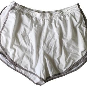 Nike Women's White Athletic Shorts 2X